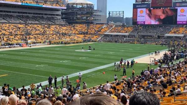 Heinz Field, section: 128, row: V, seat: 14