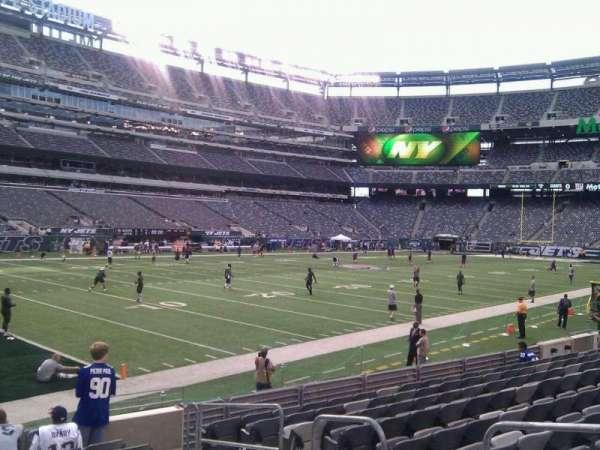 MetLife Stadium, section: 118, row: 10, seat: 4