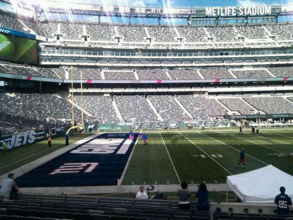 MetLife Stadium, section: 143, row: 14, seat: 6
