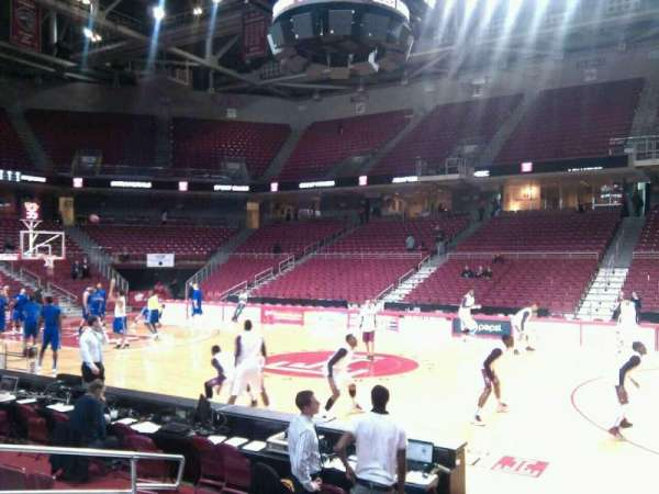 Liacouras Center, section: 102, row: g, seat: 9