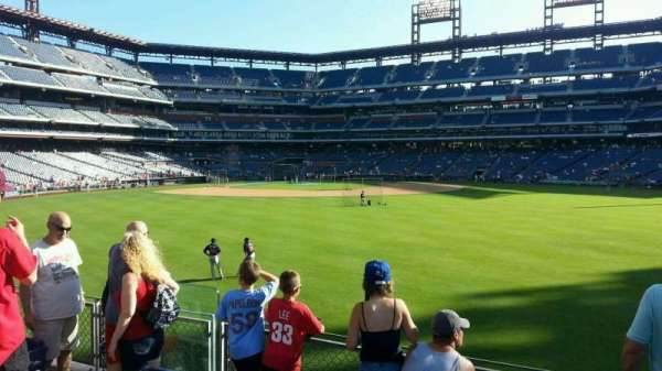 Citizens Bank Park, section: 101, row: 5, seat: 10
