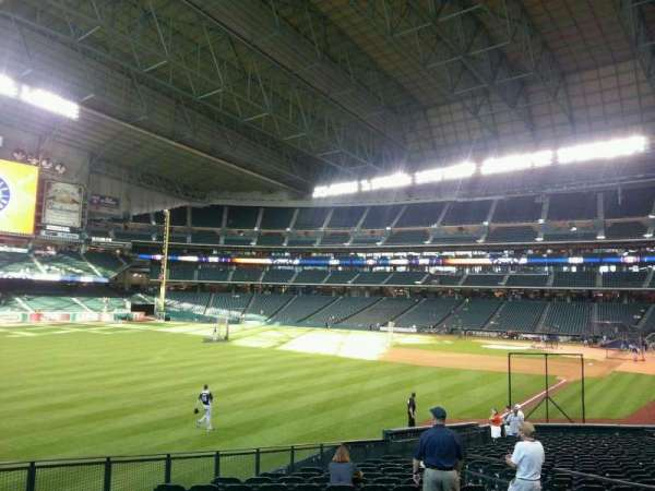 Minute Maid Park, section: 105, row: 28, seat: 16