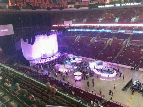 Wells Fargo Center, section: 204, row: 9, seat: 1