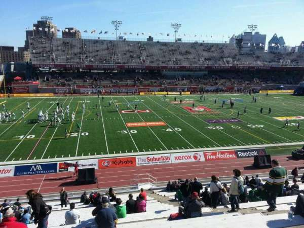 Percival Molson Memorial Stadium, section: i1, row: 25, seat: 8