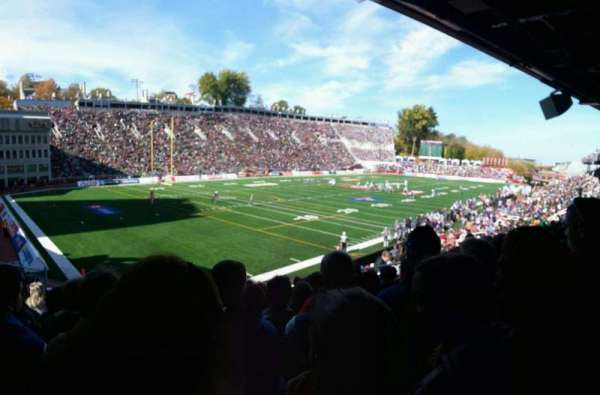 Percival Molson Memorial Stadium, section: z1, row: 15, seat: 13
