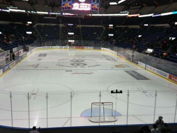 Colisée Pepsi, section: 121, row: p, seat: 18