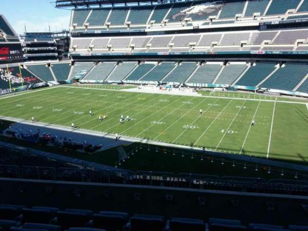 Lincoln Financial Field, section: c4, row: 10, seat: 17