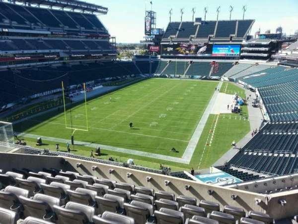 Lincoln Financial Field, section: m13, row: 12, seat: 15