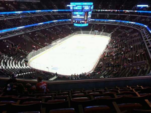 United Center, section: 307, row: 6, seat: 5