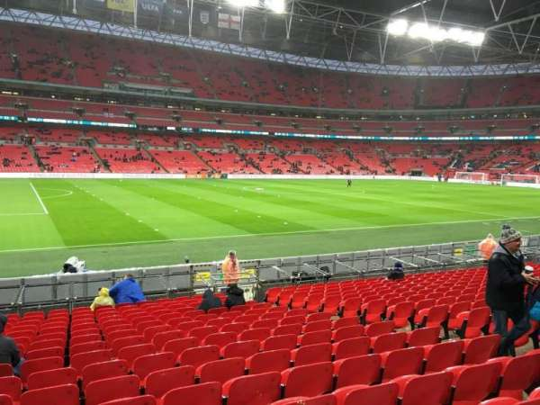 Wembley Stadium, section: 105, row: 17, seat: 35