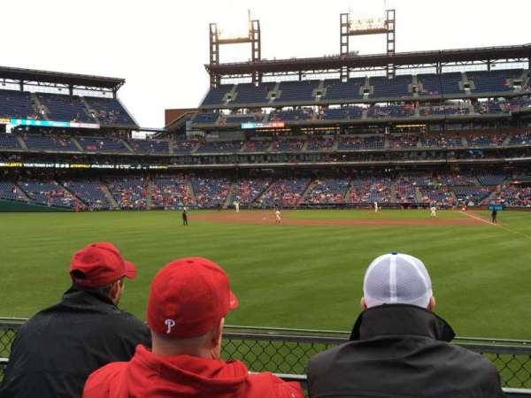 Citizens Bank Park, section: 142, row: 3, seat: 3