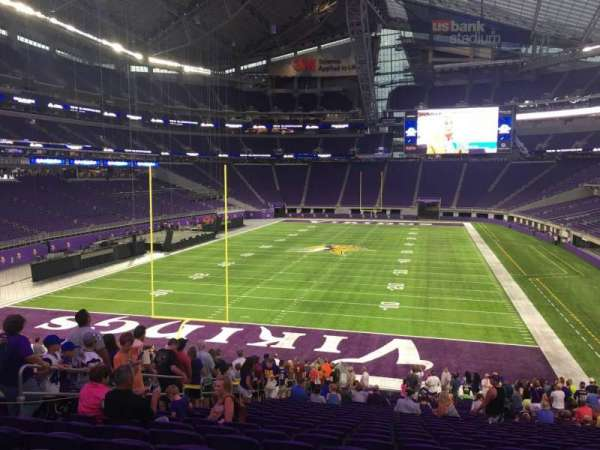 U.S. Bank Stadium, section: 140, row: 30, seat: 18