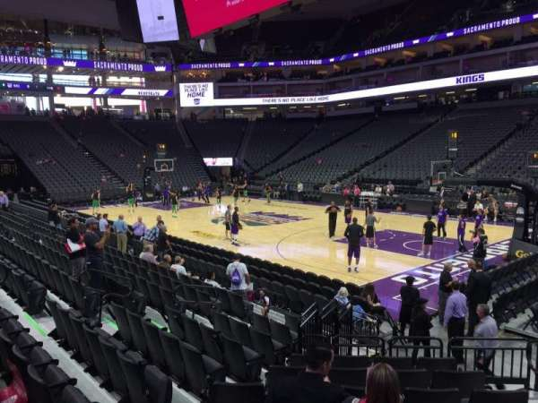Golden 1 Center, section: 117, row: Ff, seat: 4