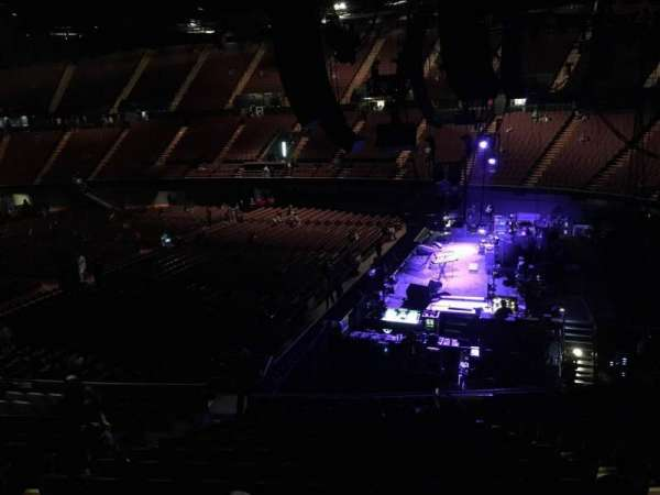 The Forum, section: 113, row: 15, seat: 7
