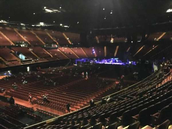 The Forum, section: 105, row: 14, seat: 6