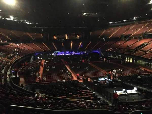The Forum, section: 135, row: Aca, seat: 7