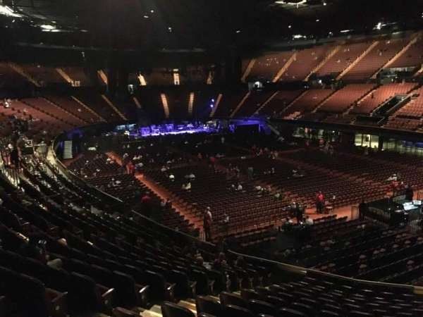 The Forum, section: 133, row: 14, seat: 6