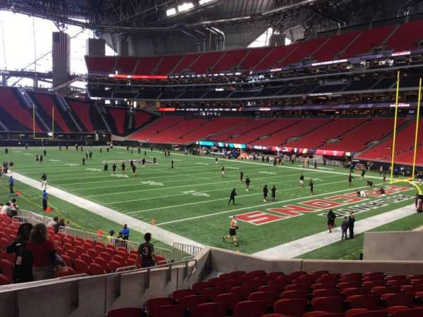Mercedes-Benz Stadium, section: 122, row: 18, seat: 16