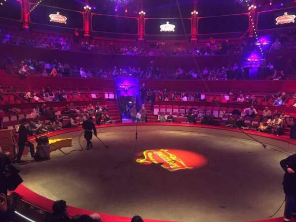 Cirque d'hiver, section: Loge, row: A, seat: 71