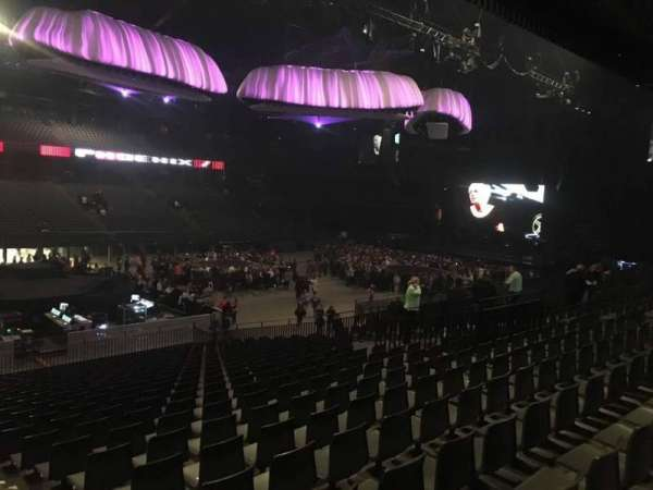 Sportpaleis, section: 122, row: 24, seat: 1