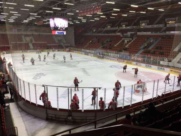 Helsingin Jäähalli, section: D1, row: 7, seat: 76