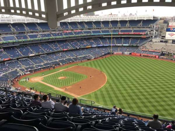 Yankee Stadium, section: 411, row: 14, seat: 13