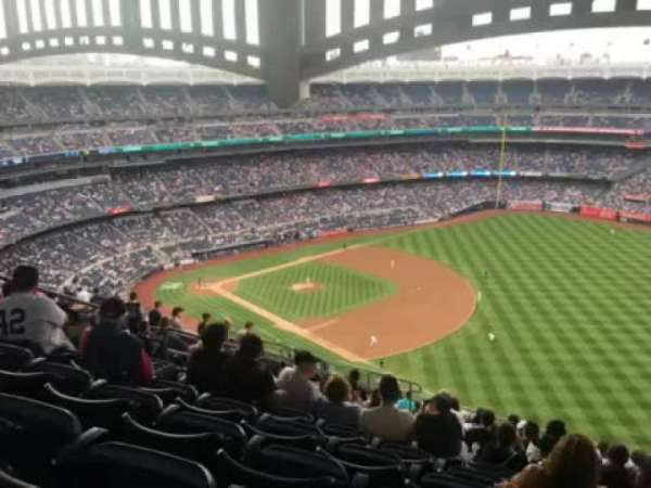 Yankee Stadium, section: 411, row: 14, seat: 12