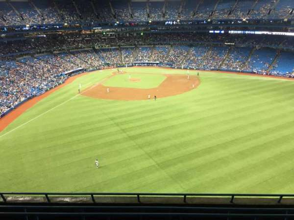 Rogers Centre, section: 504L, row: 6, seat: 108
