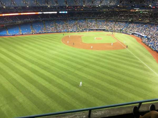 Rogers Centre, section: 542r, row: 3, seat: 4