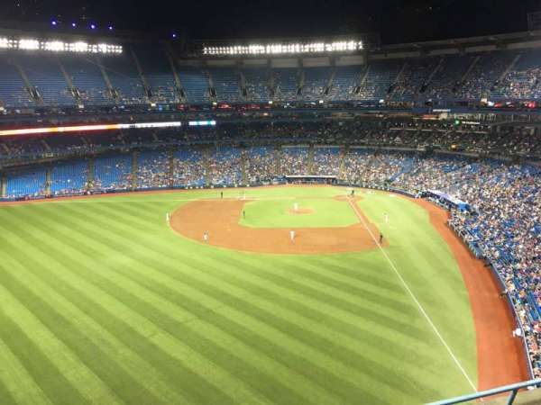 Rogers Centre, section: 540L, row: 4, seat: 110
