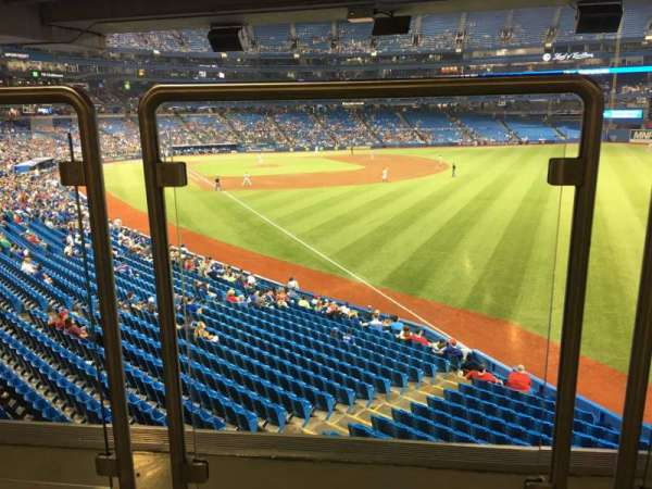 Rogers Centre, section: 109L, row: Wl, seat: A106