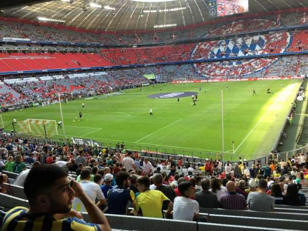 Allianz Arena, section: 115, row: 27, seat: 25