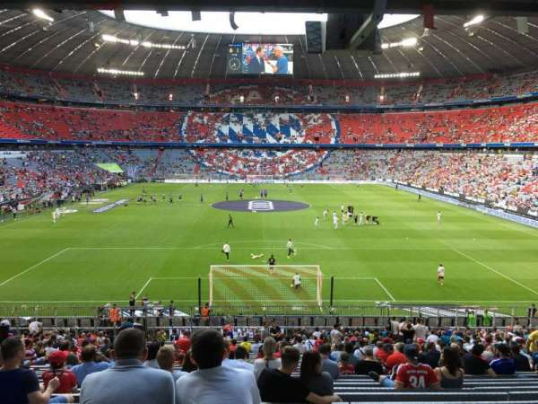 Allianz Arena, section: 113, row: 27, seat: 25