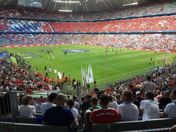 Allianz Arena, section: 109, row: 27, seat: 5