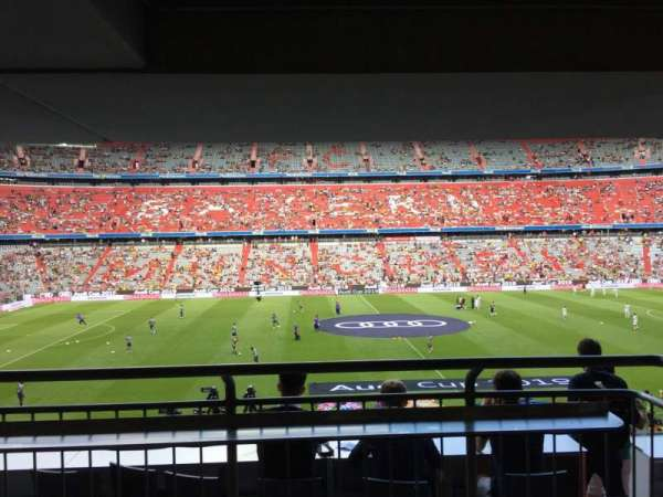 Allianz Arena, section: 103, row: Wc, seat: 52