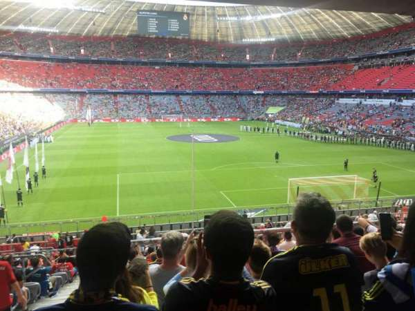 Allianz Arena, section: 129, row: 27, seat: 13