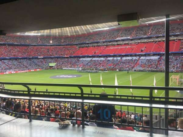 Allianz Arena, section: 125, row: Wc, seat: 220
