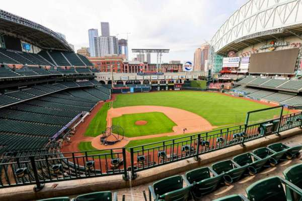 Minute Maid Park, section: 323, row: 4, seat: 8