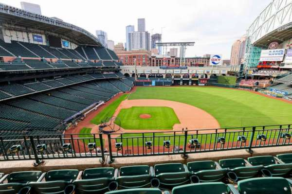 Minute Maid Park, section: 324, row: 4, seat: 7