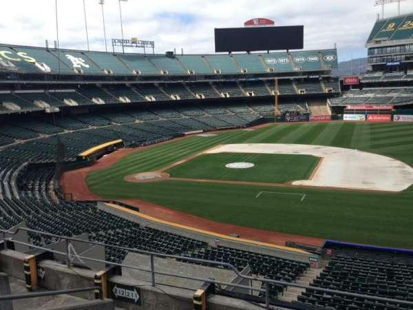 Oakland Coliseum, section: 211, row: 3