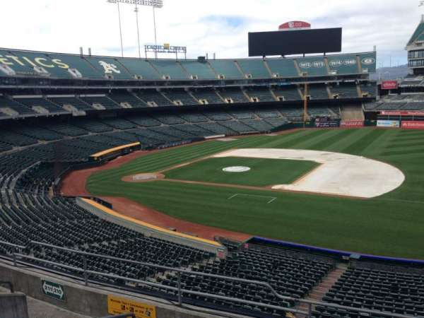Oakland Coliseum, section: 210, row: 3