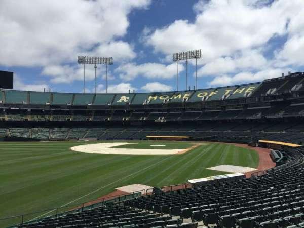 Oakland Coliseum, section: 130, row: 22