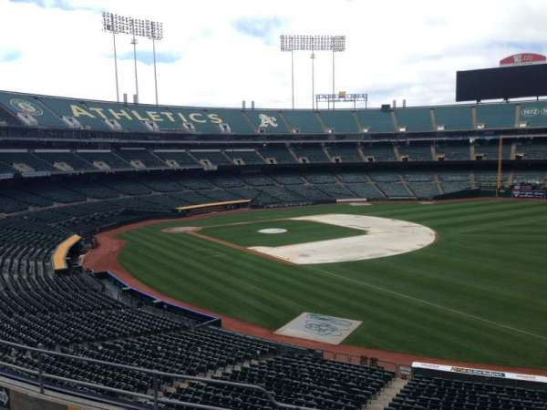 Oakland Coliseum, section: 206, row: 3