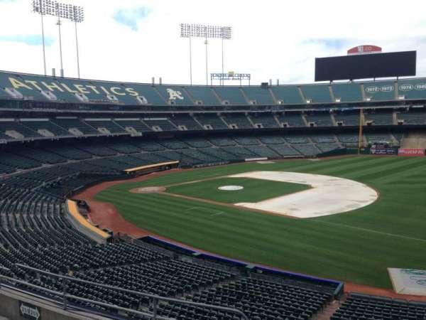 Oakland Coliseum, section: 208, row: 3