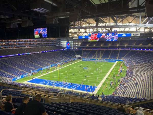 Ford Field, section: 321, row: 14, seat: 9