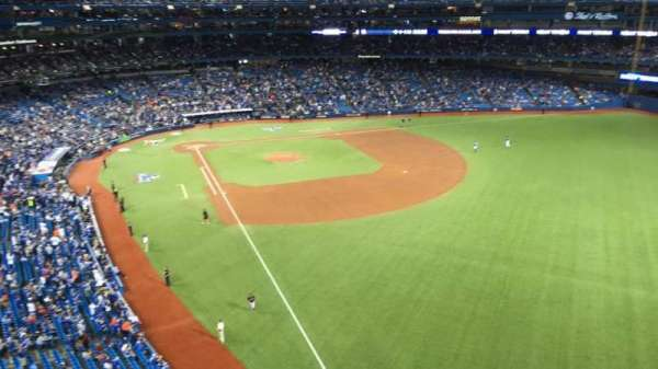 Rogers Centre, section: 510L, row: 1, seat: 110