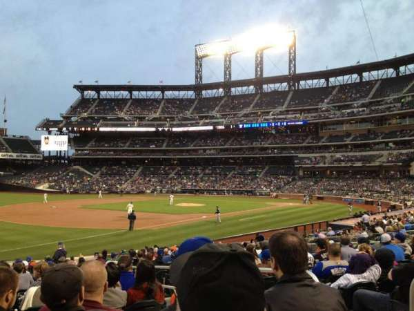 Citi Field, section: 126, row: 19, seat: 4