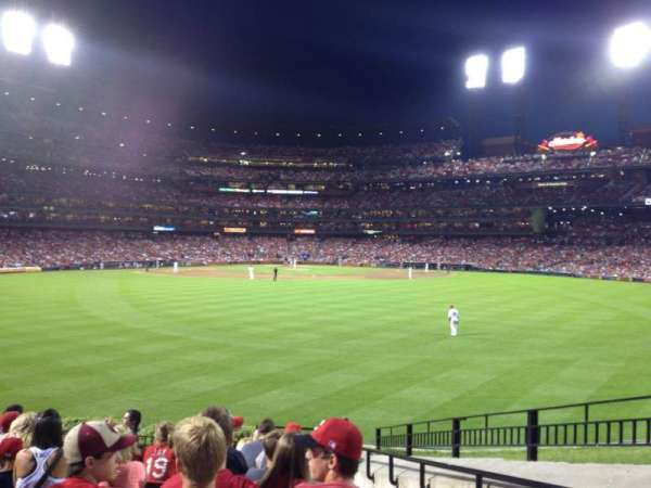 Busch Stadium, section: 101, row: 12, seat: 17