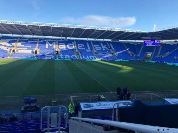 Madejski Stadium, section: G7, row: S, seat: 212