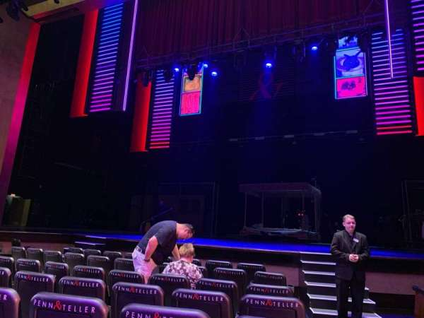 Penn & Teller Theater, section: 2, row: E, seat: 1